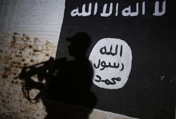 """ISIS plănuiește atacuri în Europa, folosind """"celule crocodil"""", după căderea califatului"""