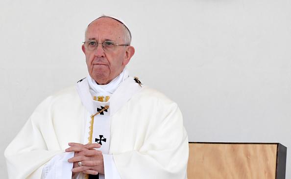Papa Francisc își începe vizita din Myanmar şi Bangladesh