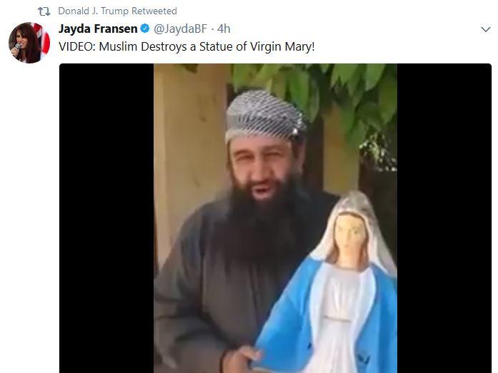 Clipuri controversate distribuite de Trump: un musulman distruge o statuie cu Fecioara Maria