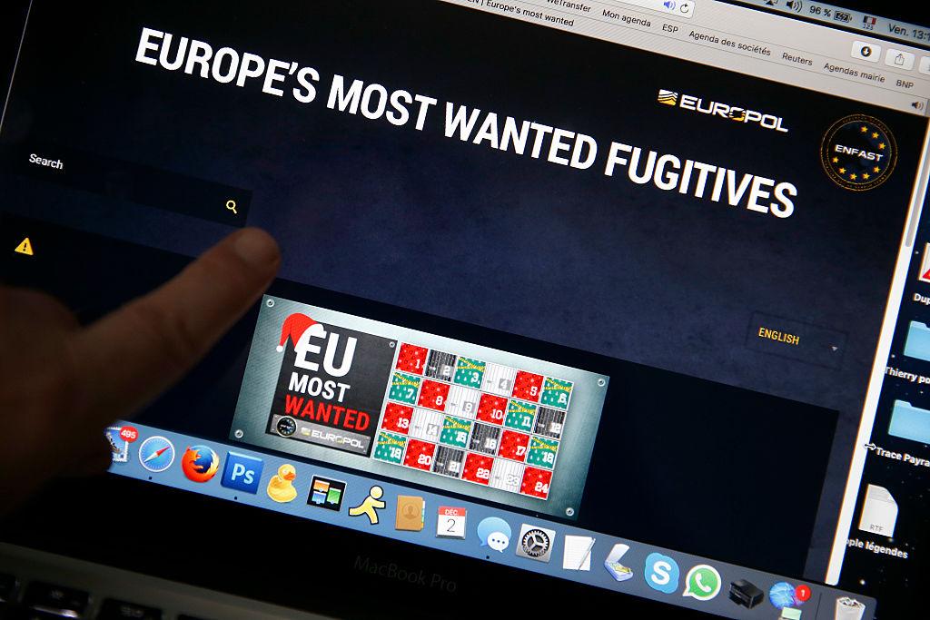 """Român aflat pe lista infractorilor """"Most Wanted"""", depistat în Irlanda. Ce a făcut"""