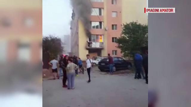 Un bloc din Timișoara, izolat cu polistiren, a luat foc. Ce au văzut locatarii înainte de incendiu
