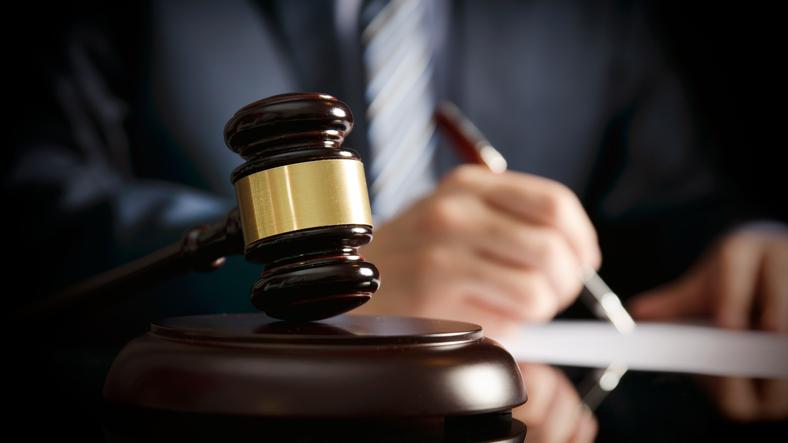 O doctoriță s-a dus în fața unui judecător și i-a arătat că are COVID. Reacția magistratului din Cluj Napoca