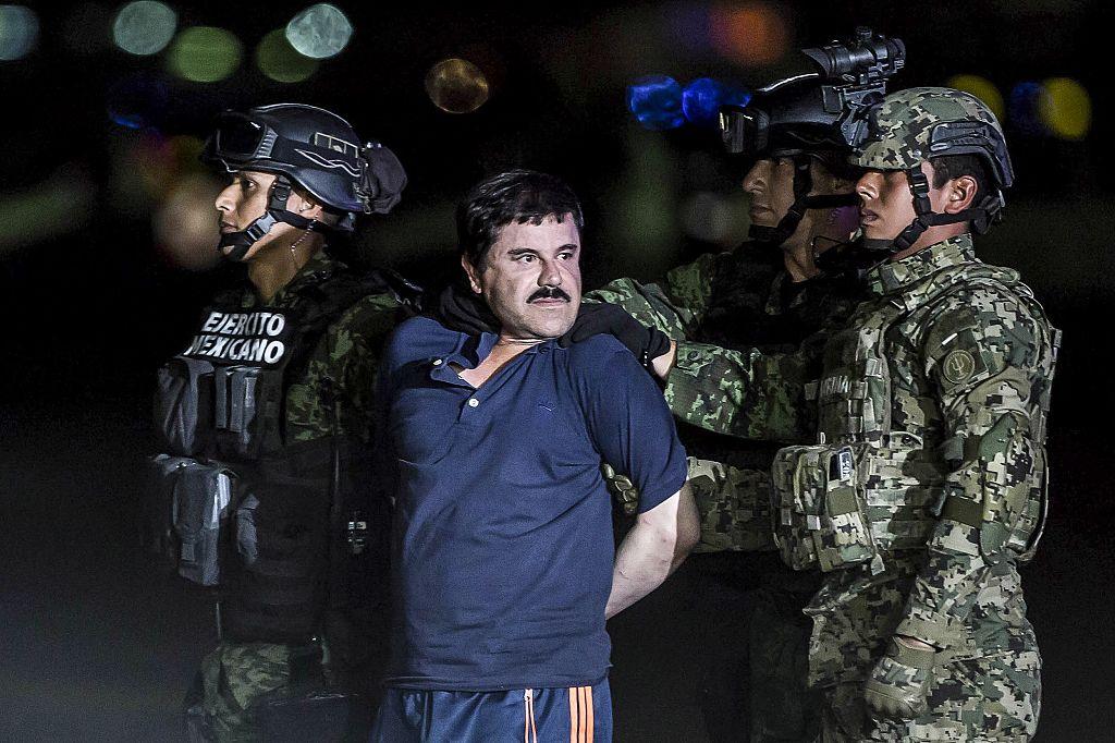 SMS-urile lui El Chapo pentru soție și amantă. Anunța că își va înarma fiica de 18 luni