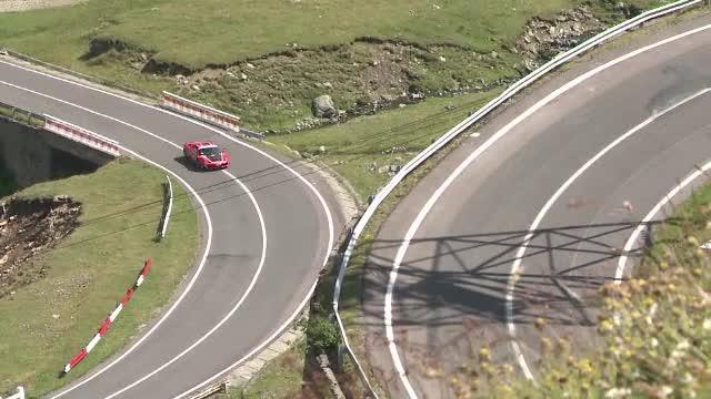 Porsche, Ferrari și Lamborghini se promovează folosind peisaje de la noi din țară