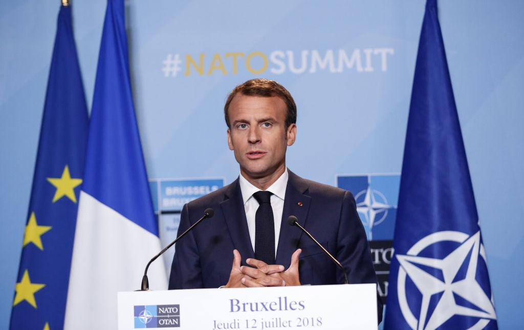 """""""Vestele Galbene"""". Macron se va adresa naţiunii franceze luni seară"""