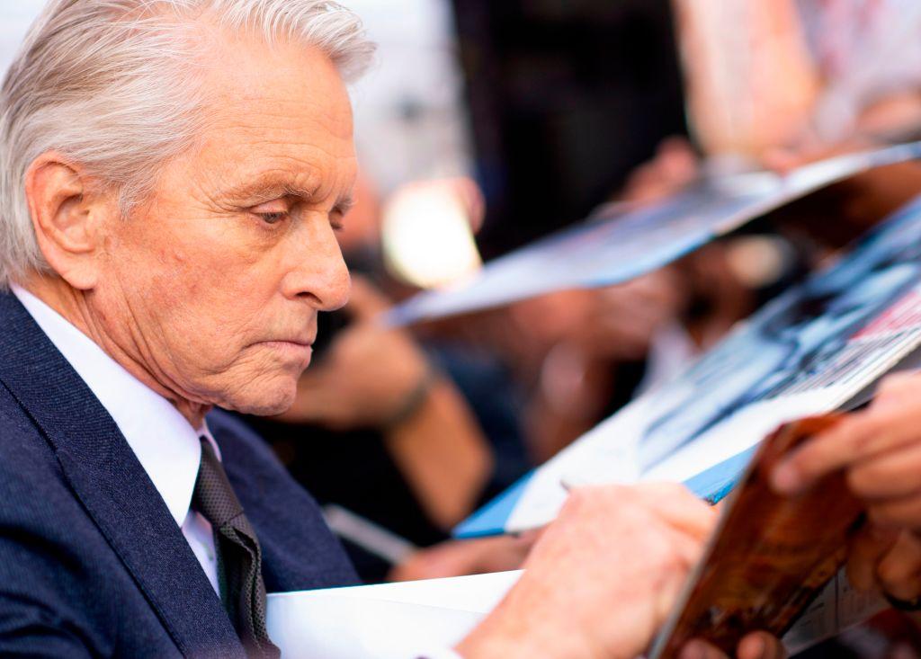Michael Douglas a primit o stea pe Bulevardul Celebrităţilor de la Hollywood