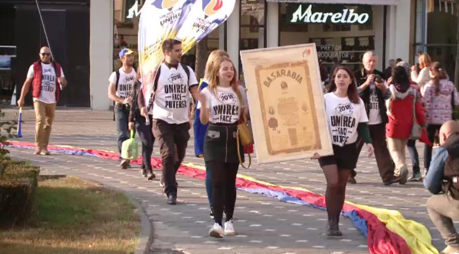Caravana Unirii României cu Basarabia a ajuns în Timișoara. Câte semnături vor să strângă