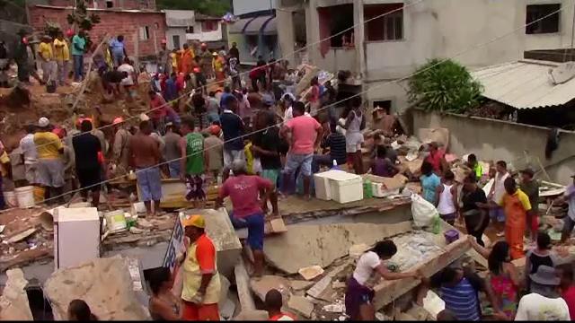 Alunecări de teren masive la Rio de Janeiro după două zile de ploaie. Bilanț: 10 morți și 11 răniți