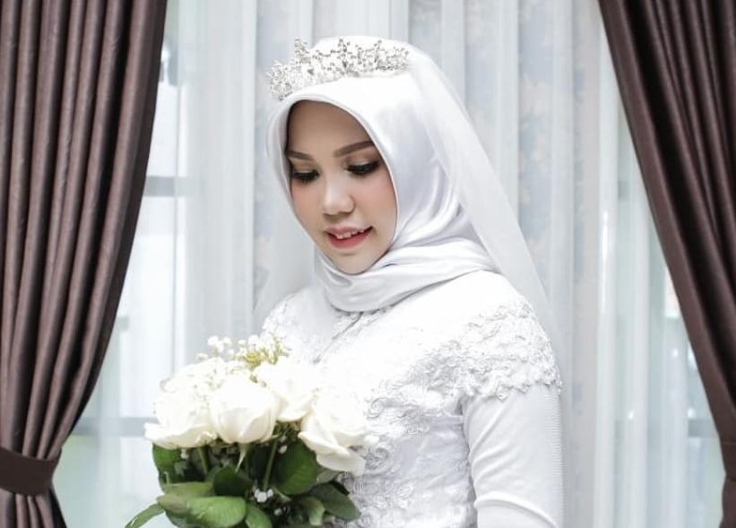 A apărut singură la nuntă, după ce logodnicul ei a murit într-un accident aviatic. Imaginile surprinse