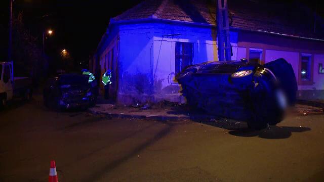 """Impact violent într-o intersecție din Timișoara: """"A venit cu 120 km la oră"""""""