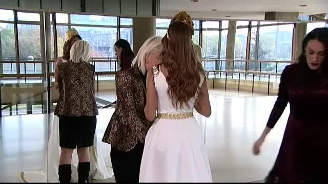 Scandal din cauza rochiei unei participante la un concurs de Miss. Cât de decoltată este