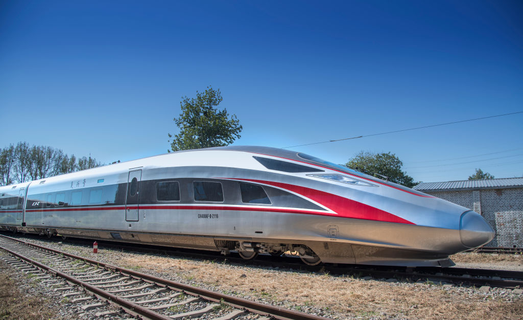 Chinezii vor construi un tren subacvatic de mare viteză. Cât costă faţă de o autostradă de la noi