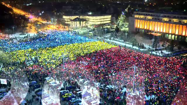 """""""100 de ani în 100 de zile"""". 2017 - anul Ordonanței 13 și a marilor proteste. Regele Mihai I a murit"""