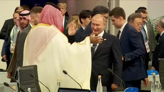 Summit-ul celor mai puternici oameni ai lumii. Cum s-au salutat Putin şi prinţul Mohammed bin Salman