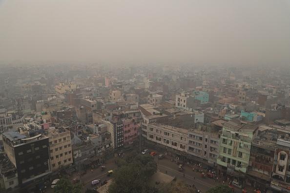 """Orașul """"sufocat"""" de poluare. A fost declarată stare de urgenţă. FOTO"""