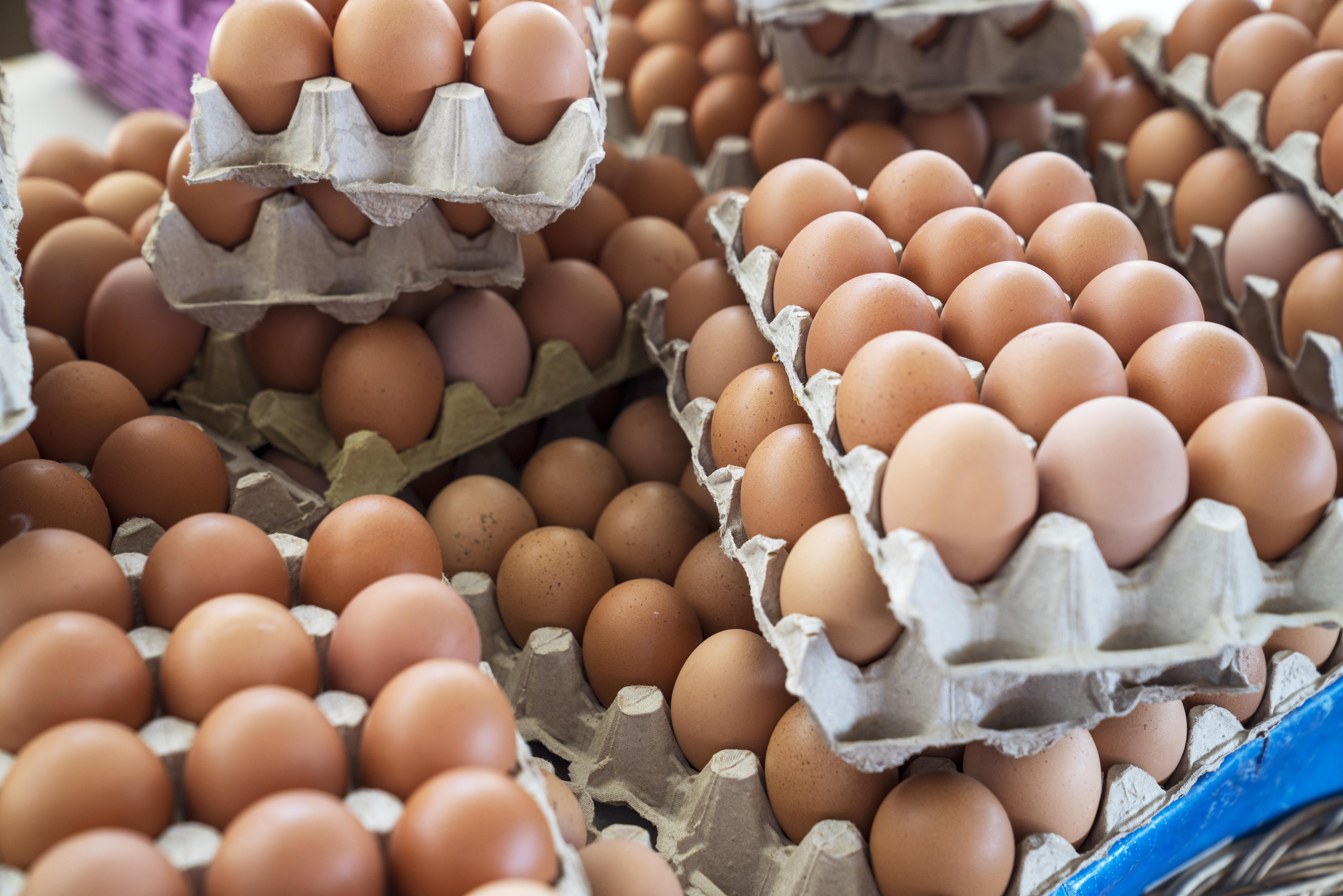 E bine să mâncăm ouă în fiecare zi? Ce spun specialiștii