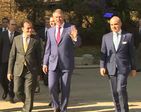 Iohannis cere sprijinul celorlalți candidați pentru turul doi. Dăncilă vrea dezbateri