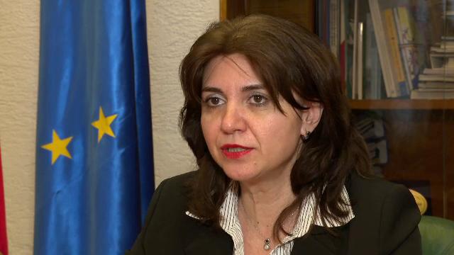 Monica Anisie a început procedura de publicare a tezelor de doctorat