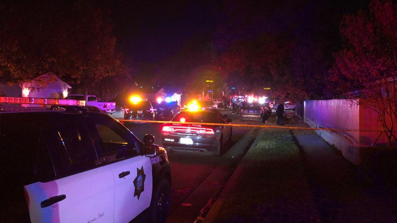 Masacru în California. Mai multe persoane ucise în timp ce se uitau la un meci de fotbal