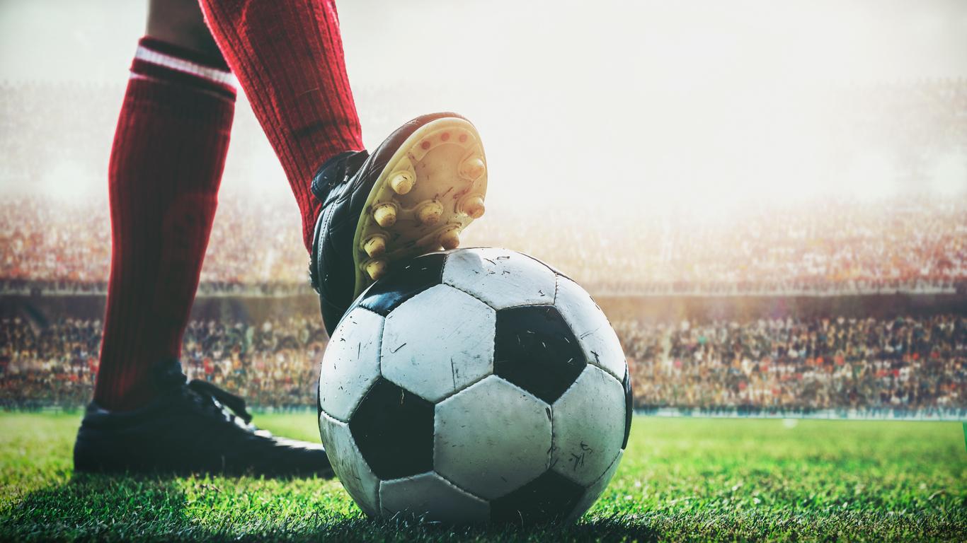 Un tânăr din Suceava a murit subit pe un teren de fotbal imediat după ce a marcat un gol