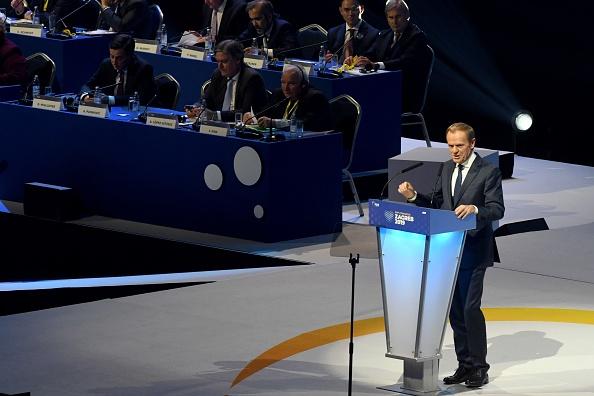 Donald Tusk anunţă că va renunţa la preşedinţia Partidului Popular European