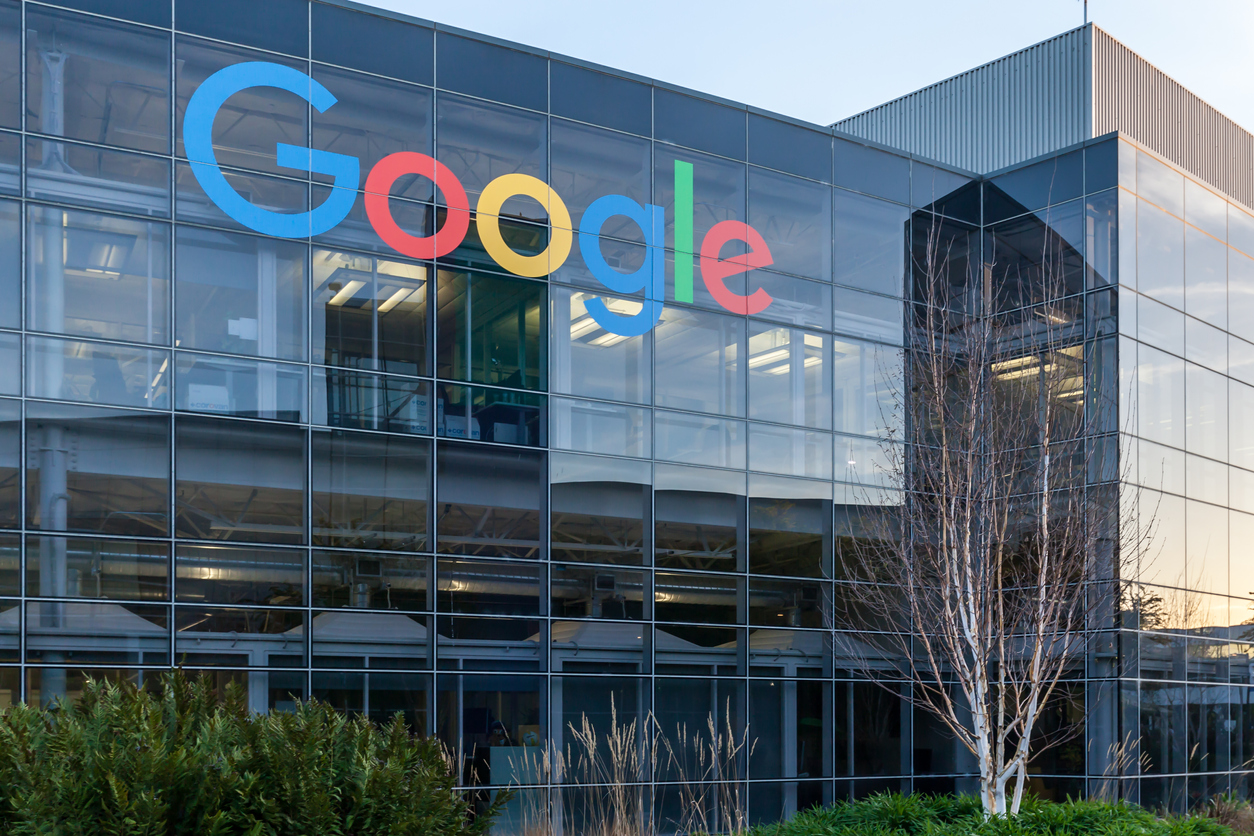 Schimbare la vârf la Google: