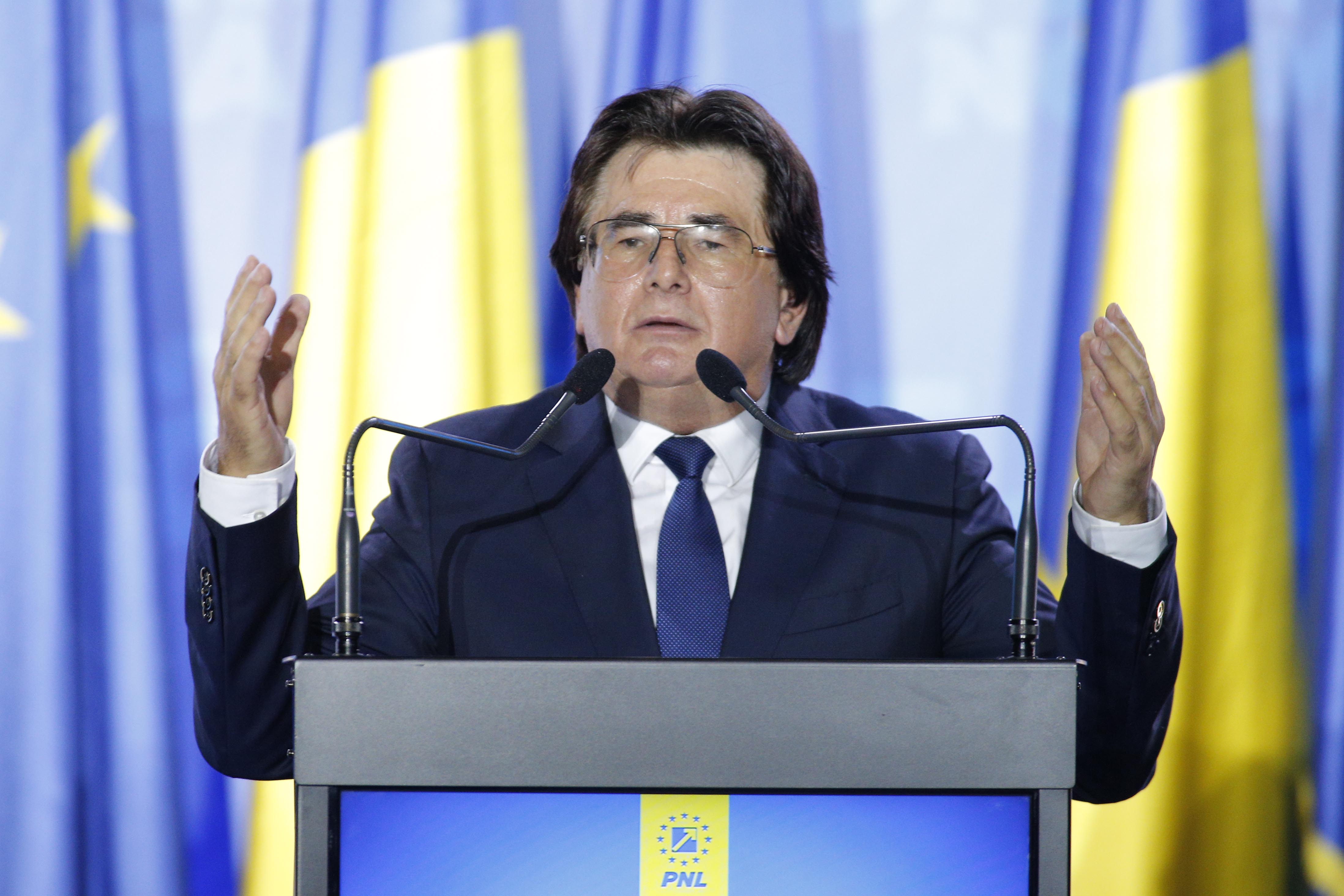 Primarul în funcţie al Timişoarei, Nicolae Robu, trimis în judecată în dosarul vânzărilor ilegale de locuinţe