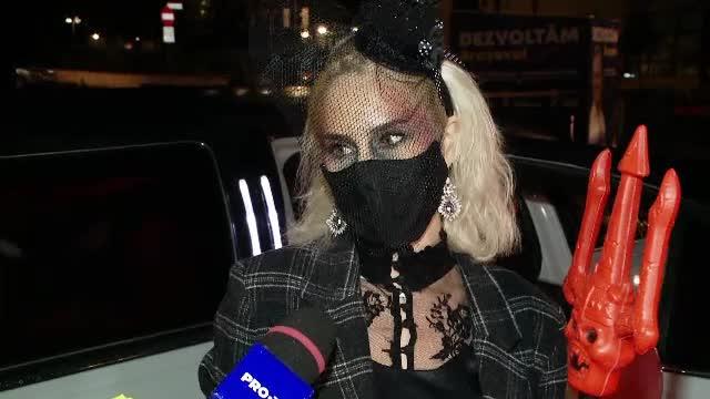 Petrecere de Halloween în limuzină. Cum au respectat tinerii regulile de pandemie