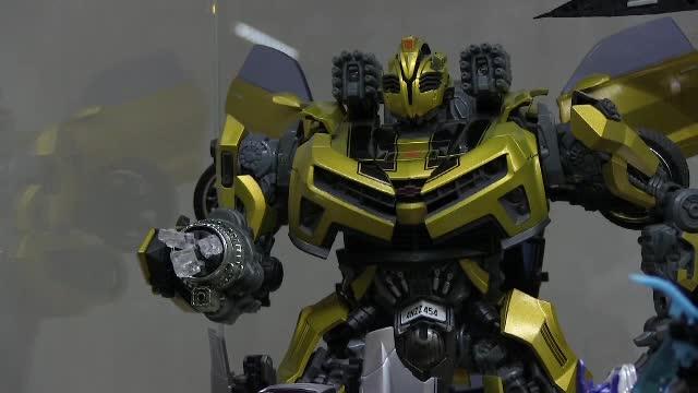 Cum arată singurul muzeu privat din lume dedicat faimoșilor roboți din seria Transformers
