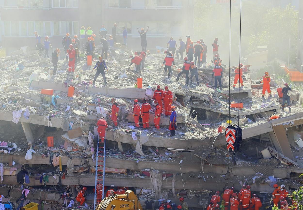 Cutremurul din Turcia a avut peste 500 de replici. Bilanțul ajunge la 49 de morți și 900 de răniți