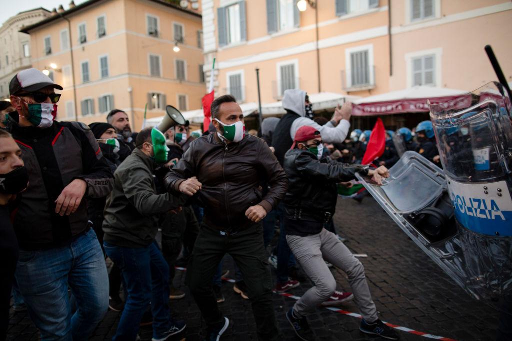 Italia, la un pas de nou