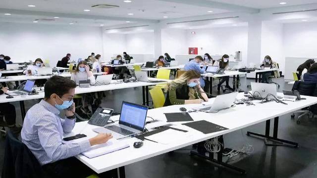Se caută studenți voluntari, în București, care să lucreze în call-center-uri, pentru realizarea anchetelor epidemiologice