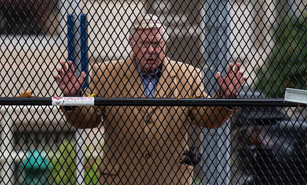 """Alegeri SUA 2020. Casa Albă, păzită cu un gard de oțel: """"Am văzut asta în țări conduse de dictatori"""""""