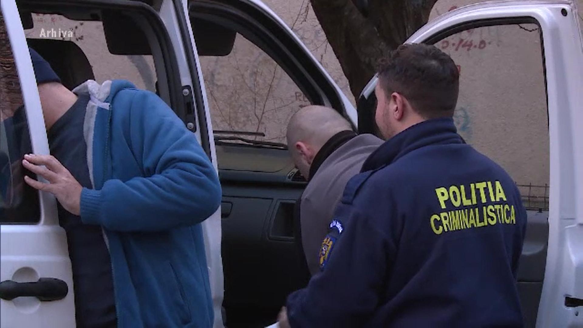 Bărbat din Bistrița, arestat preventiv după ce soţia a fost găsită moartă în casă