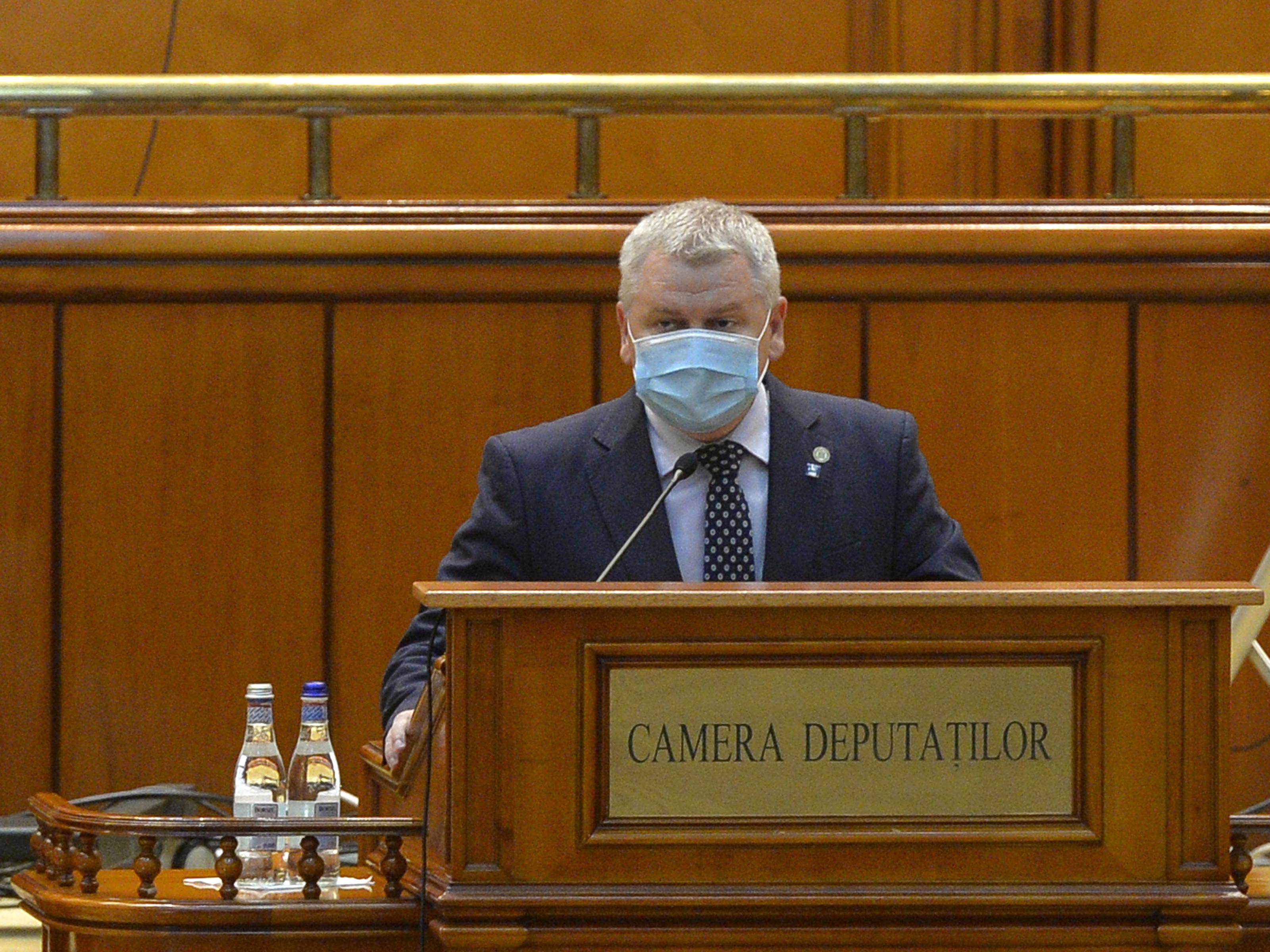 PSD, PNL și USR s-au atacat în Parlament: