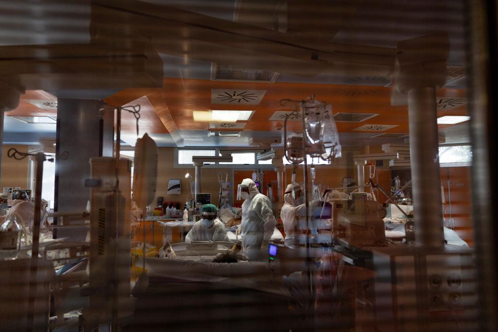 Șase bolnavi de Covid-19 din Timiş au murit în ultimele 24 de ore. Nu au avut loc la ATI