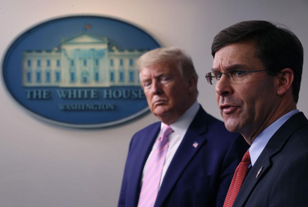 Donald Trump l-a demis pe şeful Pentagonului. De ce este furios președintele american