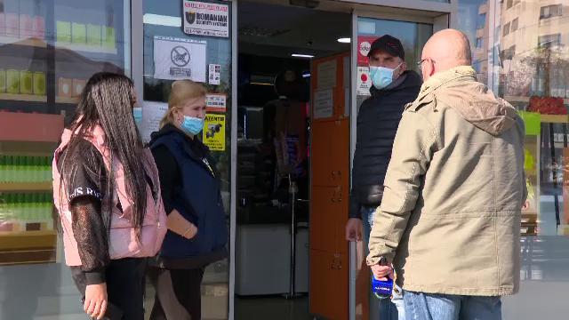 Reactia conducerii supermarketului in care a fost batuta Cristina Joia. Ce a facut casiera imediat dupa atac