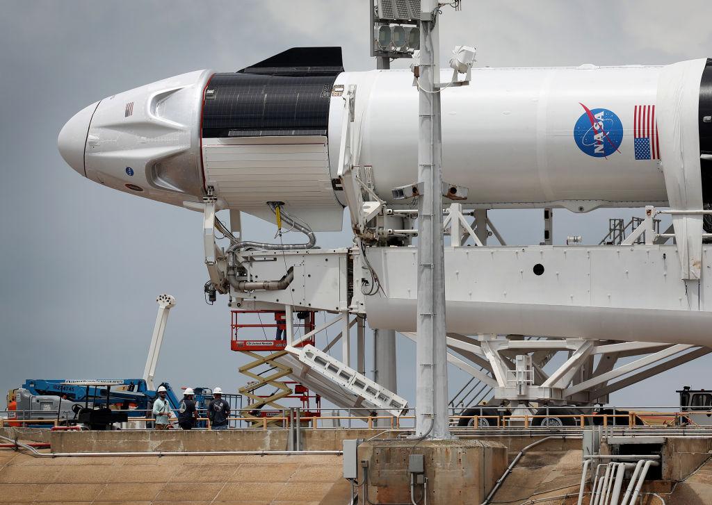 NASA a certificat primul sistem de nave spațiale private din istorie capabil să ducă oameni pe Stația Spațială Internațională