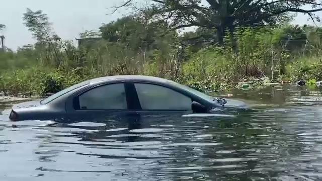 Furtuna tropicală Eta afectează grav Mexicul. Opt morți și zeci de mii de case distruse de inundații