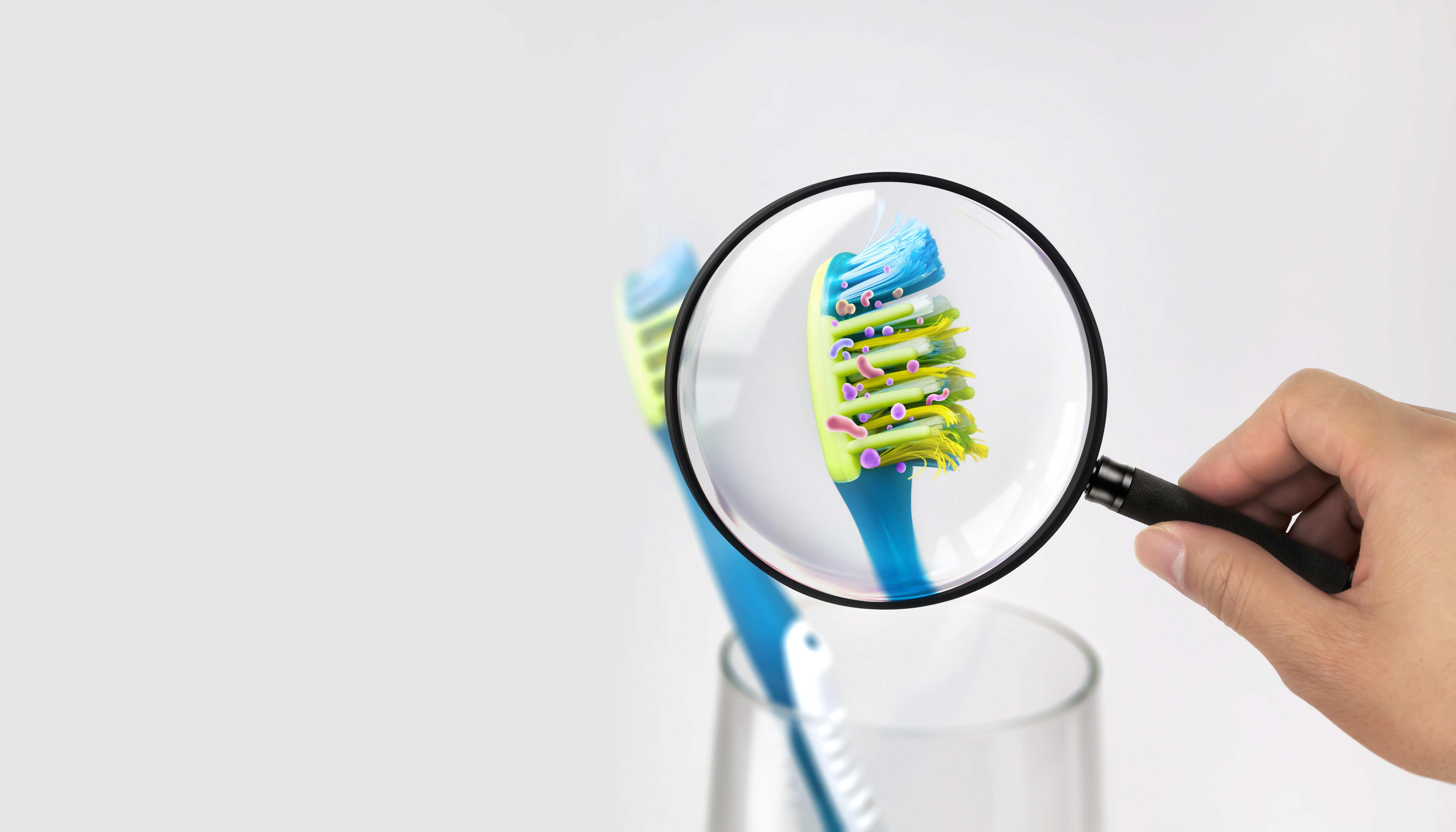 (P) Cum păstrezi bacteriile departe de periuța de dinți?
