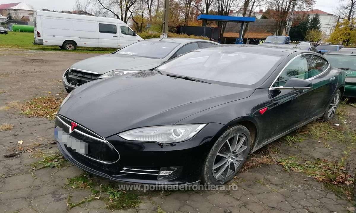 O Tesla de 52.000 de euro căutată în Norvegia a fost descoperită într-o comună din Suceava
