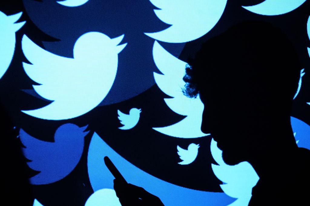 Un hacker celebru în întreaga lume, angajat de Twitter ca director pentru securitate