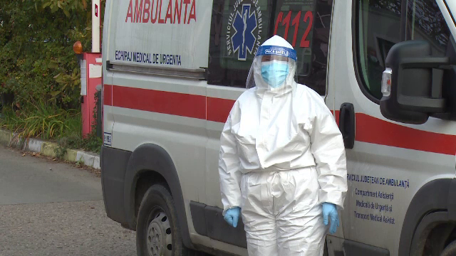 Pacient cu simptome severe de Covid-19, plimbat cinci ore cu ambulanța între spitale, în Argeş