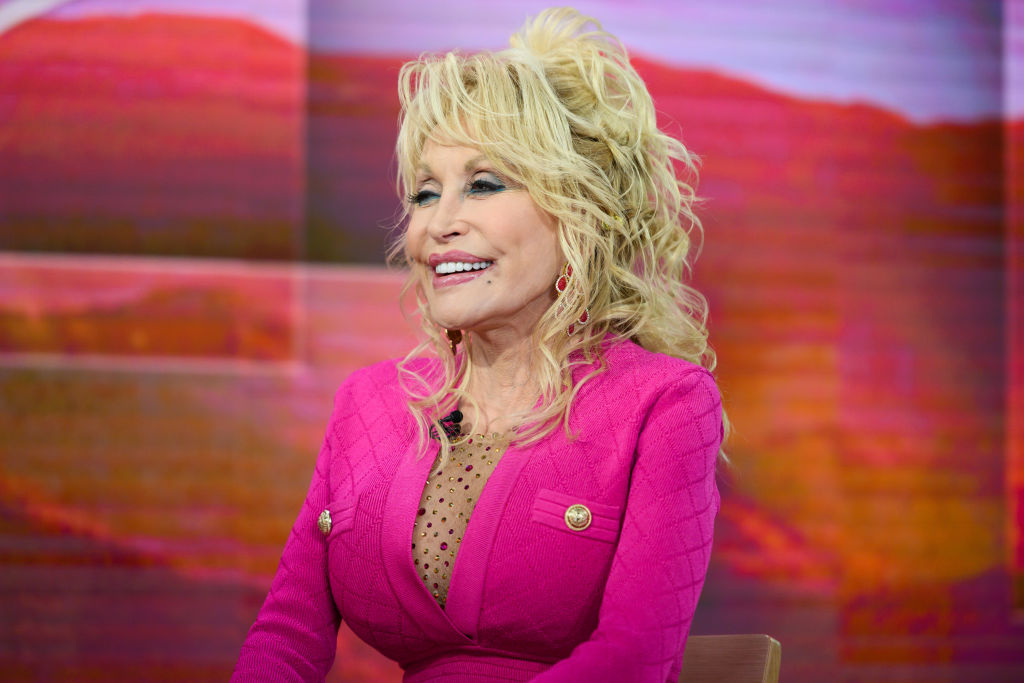 """Dolly Parton a donat 1 milion $ pentru crearea vaccinului Moderna: """"Sunt foarte mândră"""""""