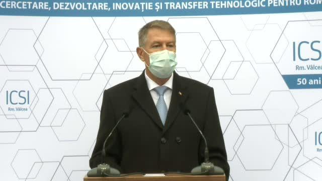 Iohannis: Trebuie găsite soluţii pentru stimularea inovării, încurajarea investiţiilor şi creşterea rolului cercetării