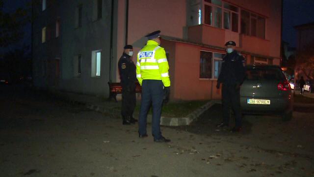 O femeie de 62 de ani din Titu, Dâmbovița, găsită fără viață în balconul locuinței sale. S-ar fi sinucis
