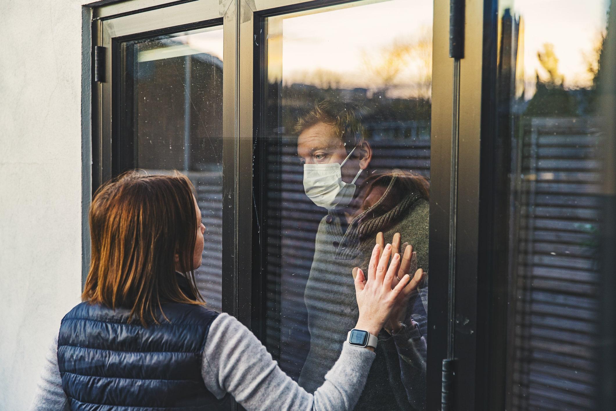 Studiu: Cât timp ar putea fi contagios un pacient infectat cu noul coronavirus