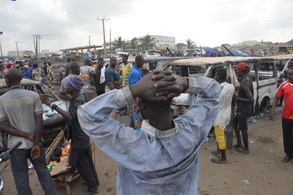 Mai mulți morți și zeci de răpiți, după un atac asupra unui moschei în Nigeria. Au fost 100 de atacatori