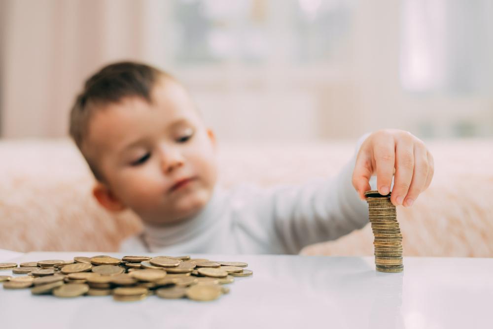 UDMR propune ca alocaţia pentru copii să fie diferenţiată în funcţie de veniturile familiilor
